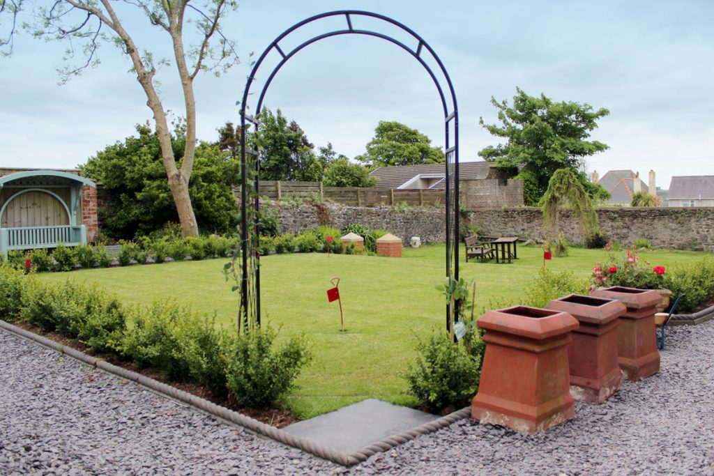 Garden Arch to Golf Putting Green